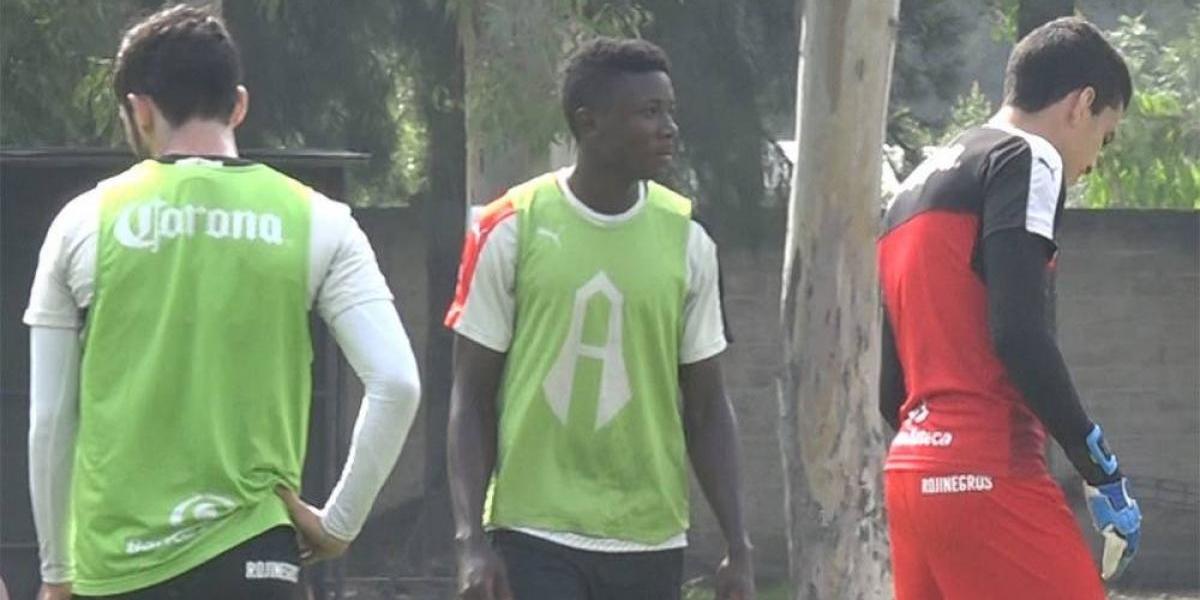Volante camerunés de 19 años llega al Atlas