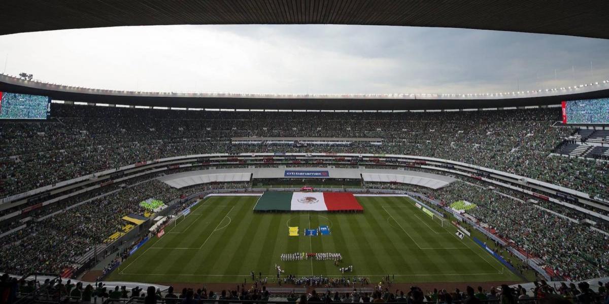 """VIDEO: """"El Chelís"""" critica nueva apariencia del Estadio Azteca"""