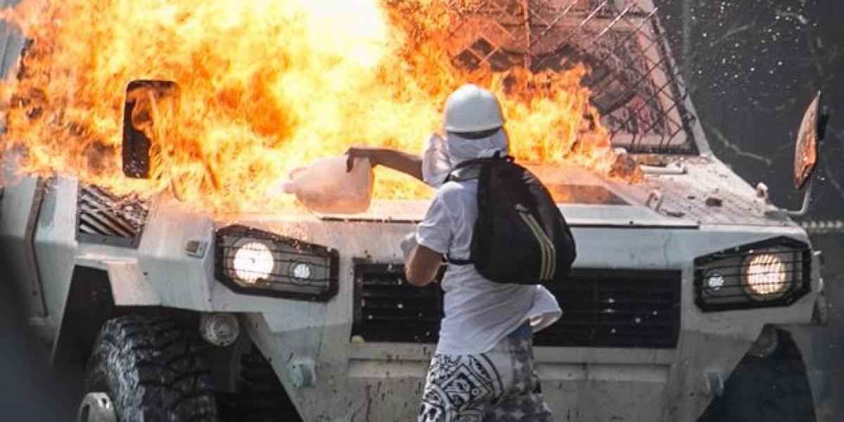 El fotógrafo cuyas imágenes captan la esperanza de las protestas en Venezuela