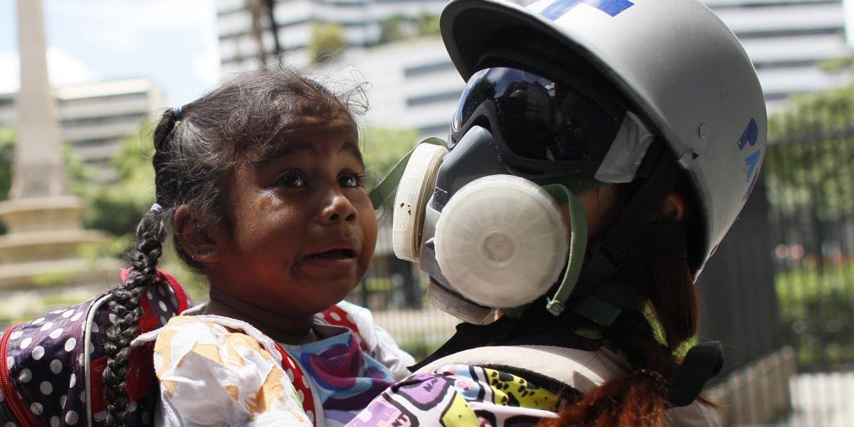 Venezuela: Maduro acusa a la oposición de drogar a niños para que protesten