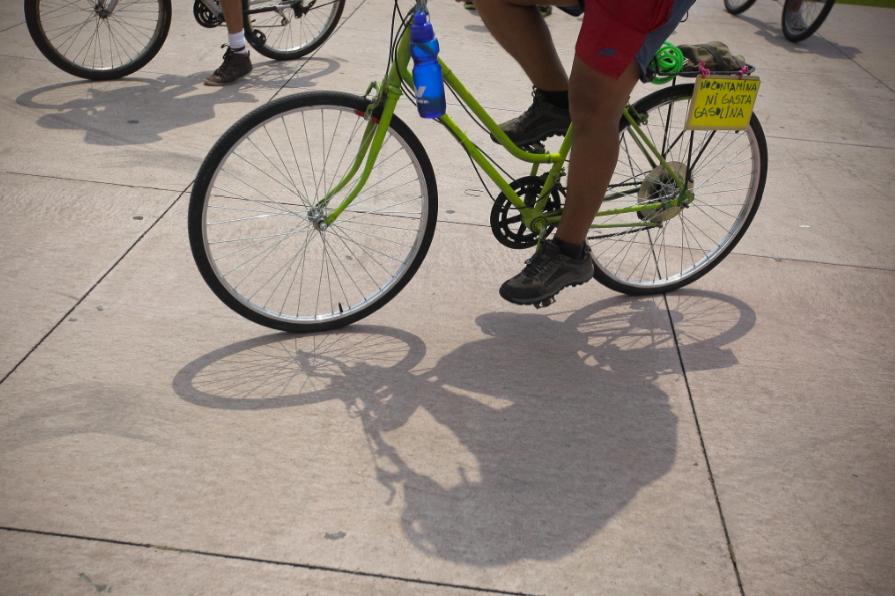 ¡Doblemente infortunado! Joven se cayó a un caño después de que habían robado su bicicleta