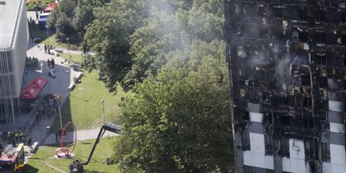 Asciende cifra de muertos en incendio en Londres