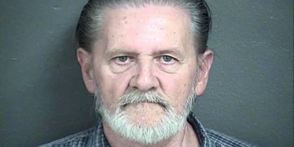 Hombre roba un banco para ir a la cárcel y no ver más a su esposa: lo condenan a arresto domiciliario