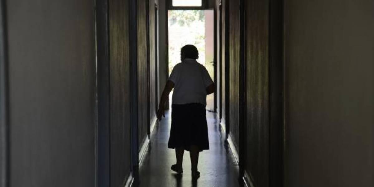 Casa de repouso é investigada por oferecer 'preços promocionais' para quem deixar idosos no Natal