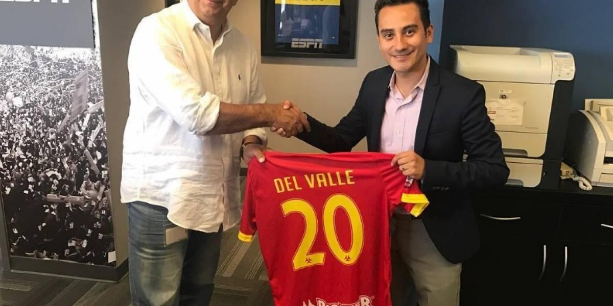 Periodista guatemalteco jugará fútbol con equipo de ESPN
