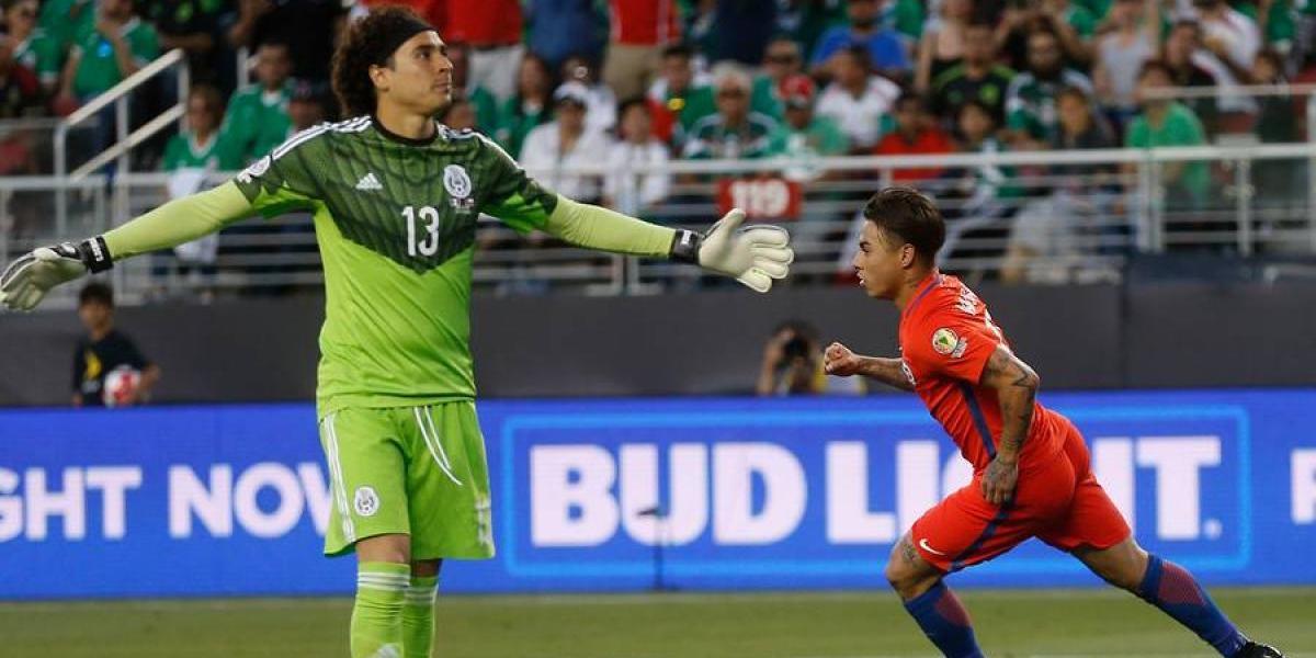 """Memo Ochoa confiesa: """"En México la gente espera jugar con Chile"""""""