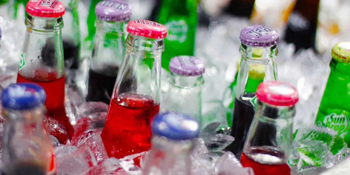 Exigen a Femexfut y FIFA no usar a niños para promover bebidas azucaradas