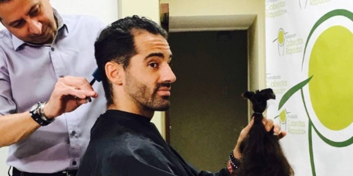 Toni Costa se recorta su cabello por una buena causa