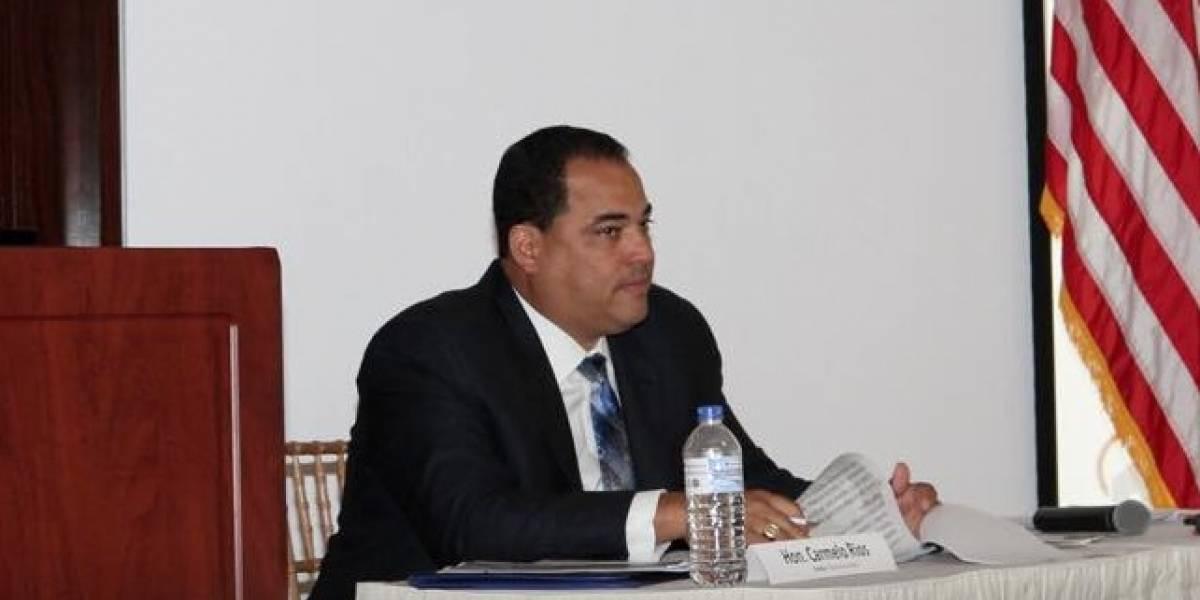 Grupo de senadores dan espaldarazo a Carmelo Ríos para Guaynabo