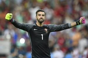 Rui Patricio (Portugal): Fue uno de los mejores jugadores en el título de la Eurocopa y esperará repetir sus buenas actuaciones en la Eurocopa / imagen: AFP