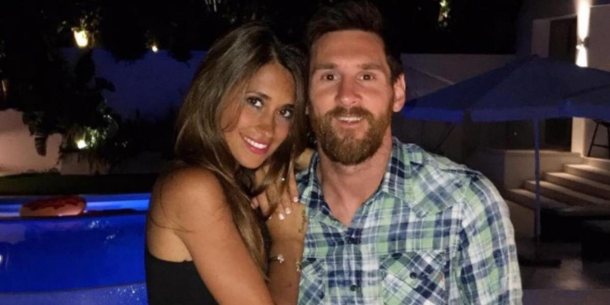 """A Messi """"se le fue la mano"""" con Antonella y así reaccionan sus fans"""