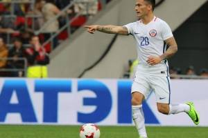 Charles Aránguiz (Chile): Pese a que tuvo una irregular temporada en Bayer Leverkusen y terminó como suplente, el Príncipe es uno de los pilares de la selección y el encargado de guiar los hilos del equipo en el mediocampo / imagen: Agencia UNO