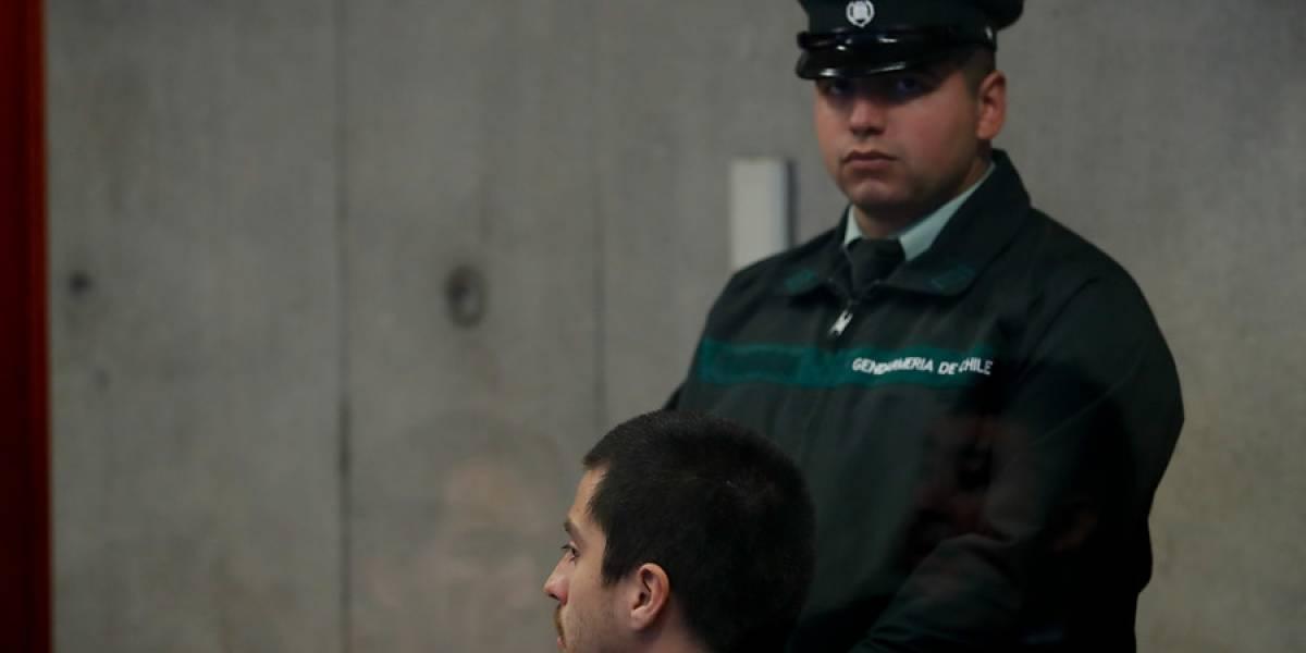 Fiscalía narró ataque a fiscalizadora del Transantiago: ofuscado, se devolvió con el fin de empujar a María Angélica Varas, quien estaba de espaldas