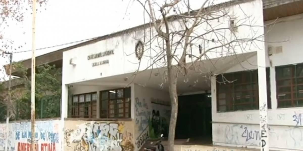 Polémica por maltrato moviliza a Argentina: directora de escuela amenazó a niños y los obligó a suplicarles por permiso para el baño