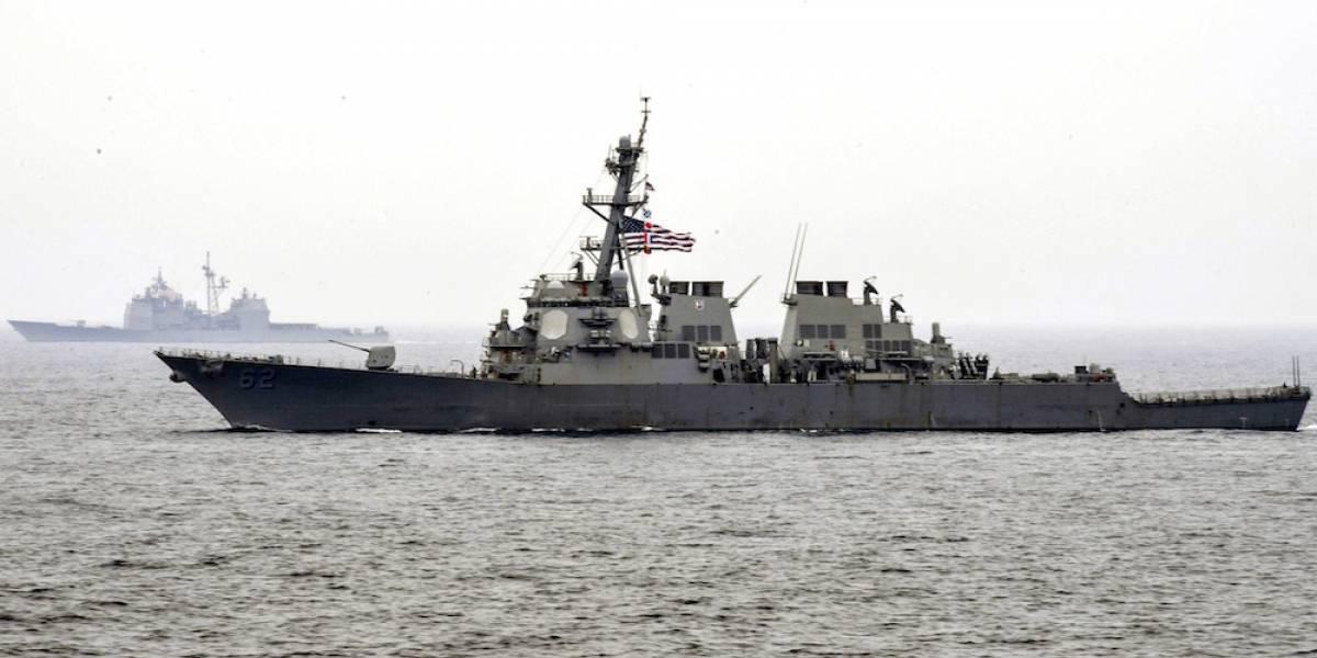 Siete marinos desaparecidos y dos heridos tras choque de un destructor de EU