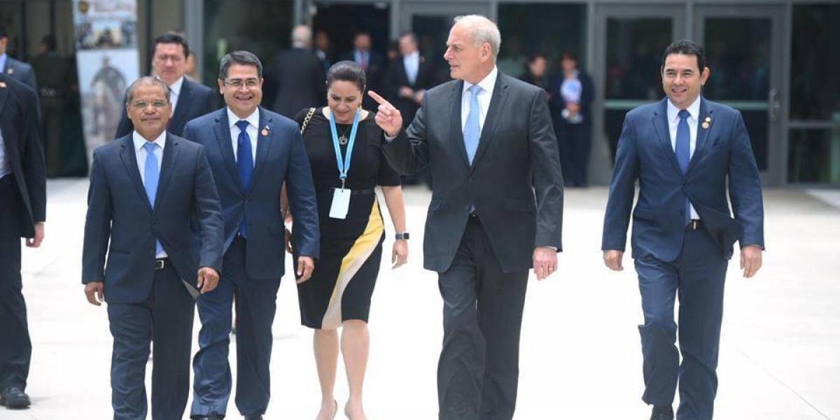 Kelly y líderes de Centroamérica conocen equipo tecnológico para la frontera