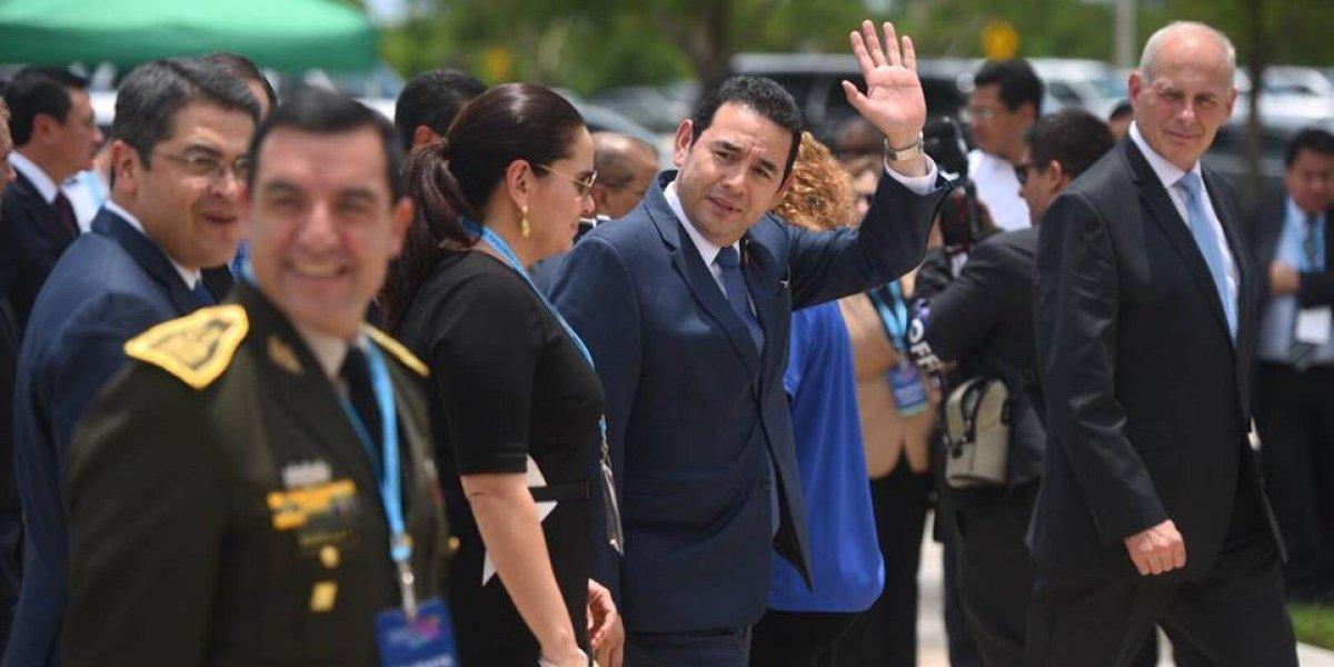 Morales viaja a Nueva York sin aclarar ingreso del jefe de CICIG