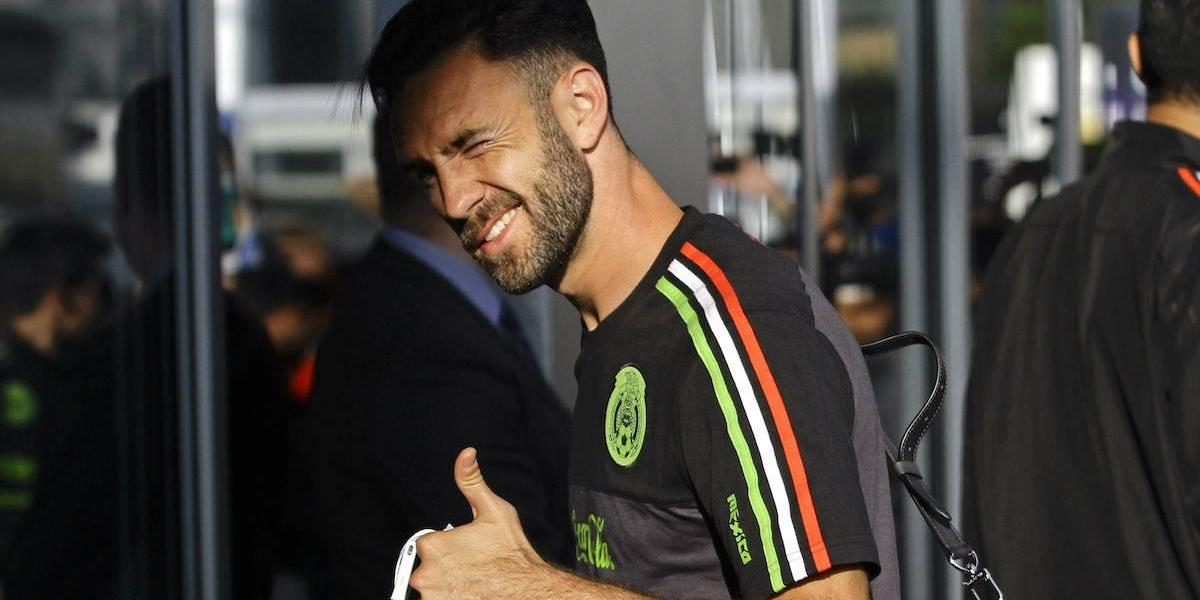 Reconoce Mohamed que Rayados ya le hizo una oferta a Miguel Layún