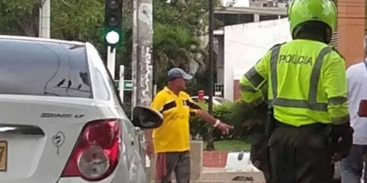 Presunta conductora de Uber arrolló a patrullero que la requirió para un procedimiento