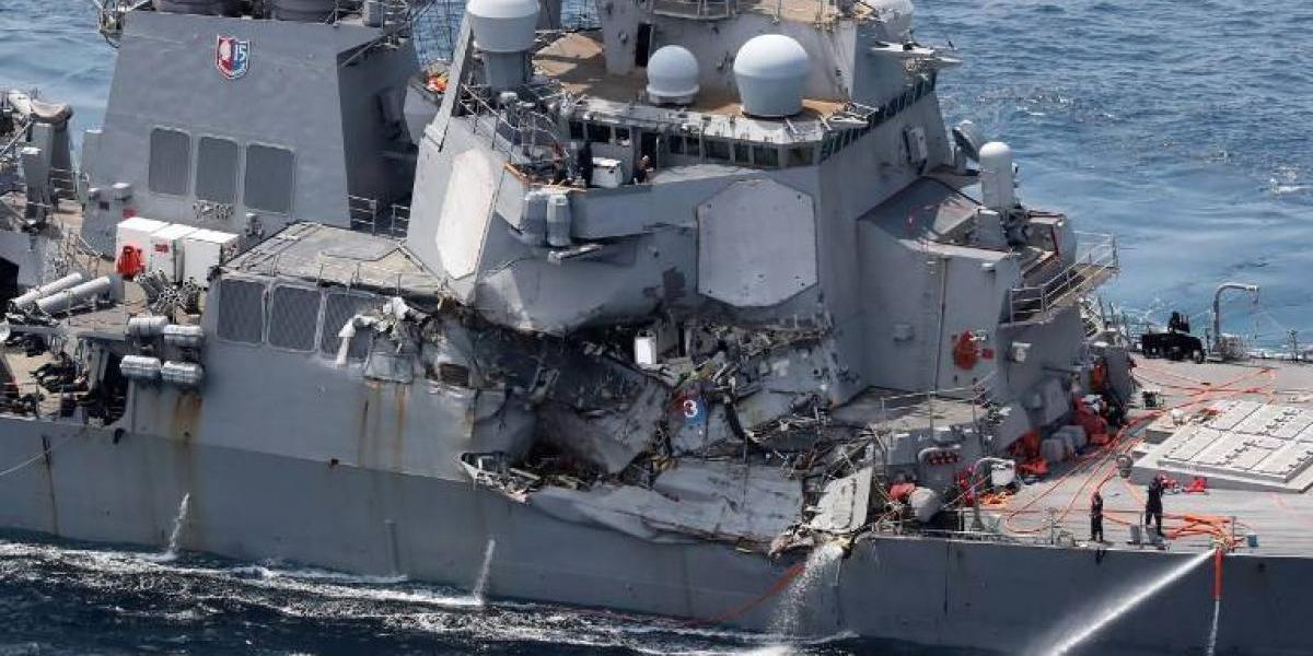 Al menos 7 marinos desaparecidos en el choque de un destructor de EEUU con un carguero filipino cerca de la costa de Japón
