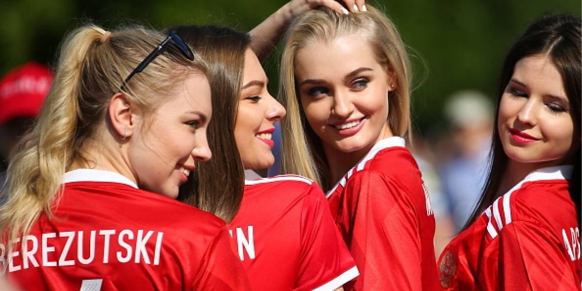 FOTOS: La belleza también desfiló en Rusia con el inicio de la Confederaciones