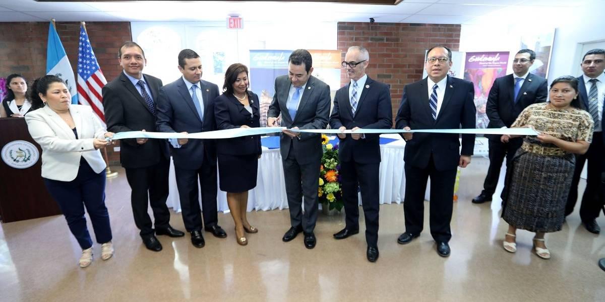 Jimmy Morales inaugura nuevo consulado en Los Ángeles, California