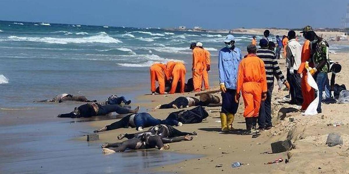 Hallan 5 cuerpos flotando en el mar
