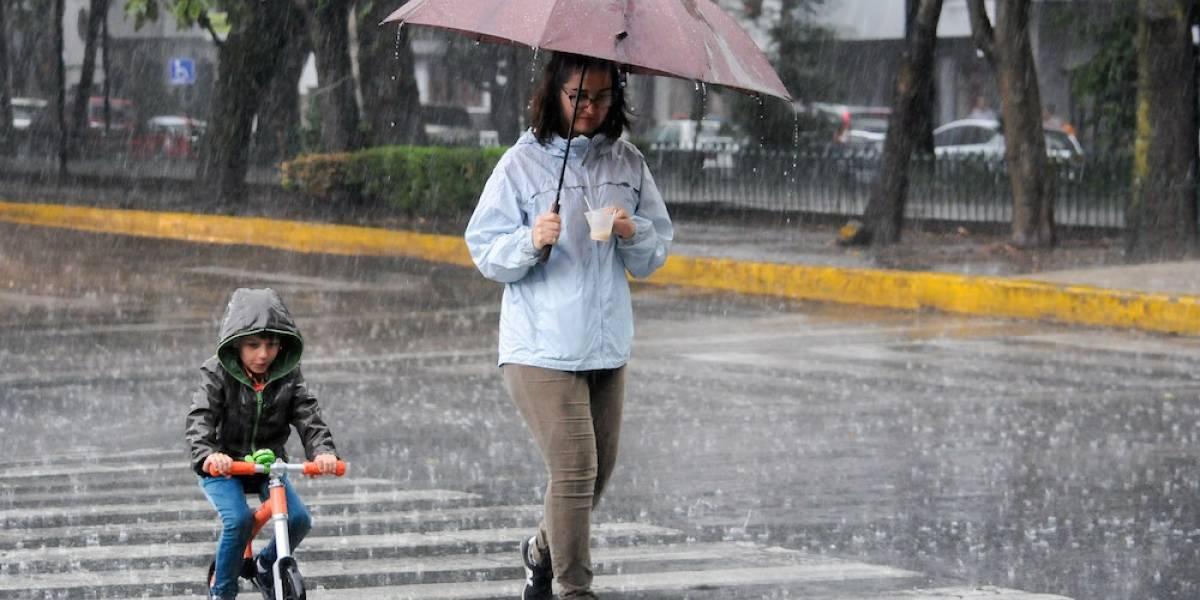 Se mantiene pronóstico de chubascos con posible granizo en el Valle de México