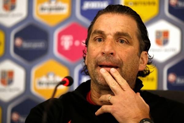 Pizzi confirmó la lesión de Sánchez / Photosport