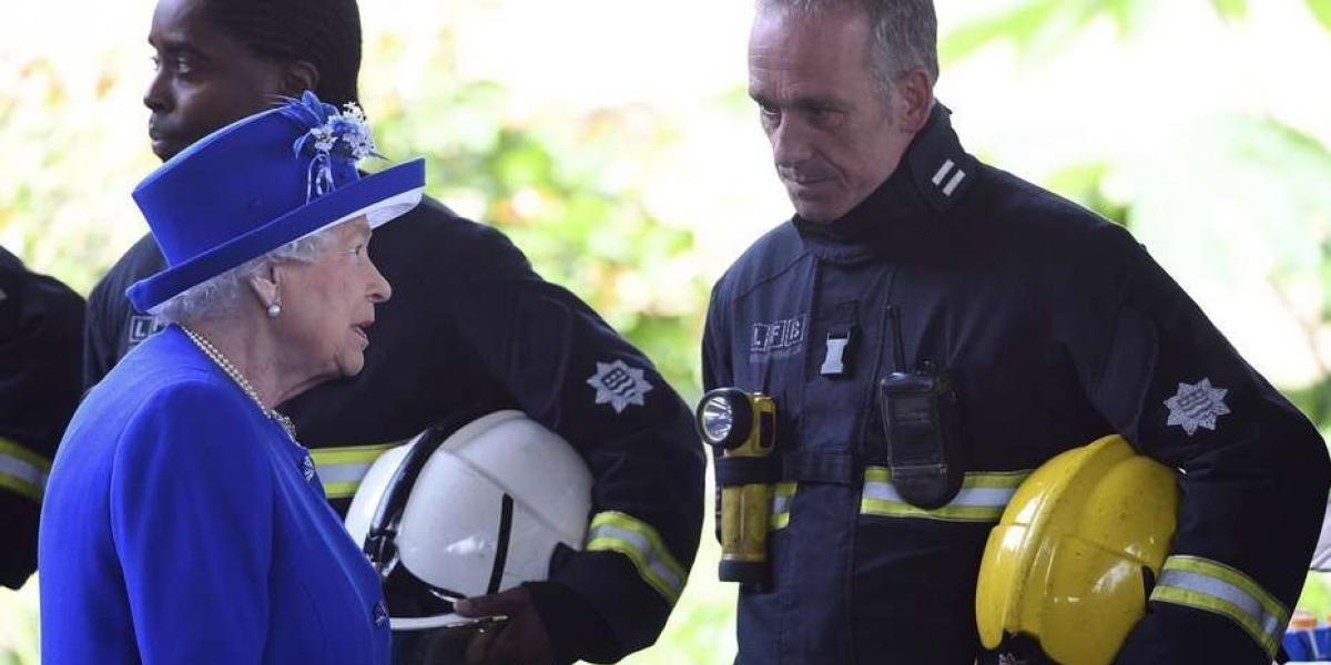 """Isabel II admite que es difícil evitar el ánimo """"sombrío"""" que vive el Reino Unido"""
