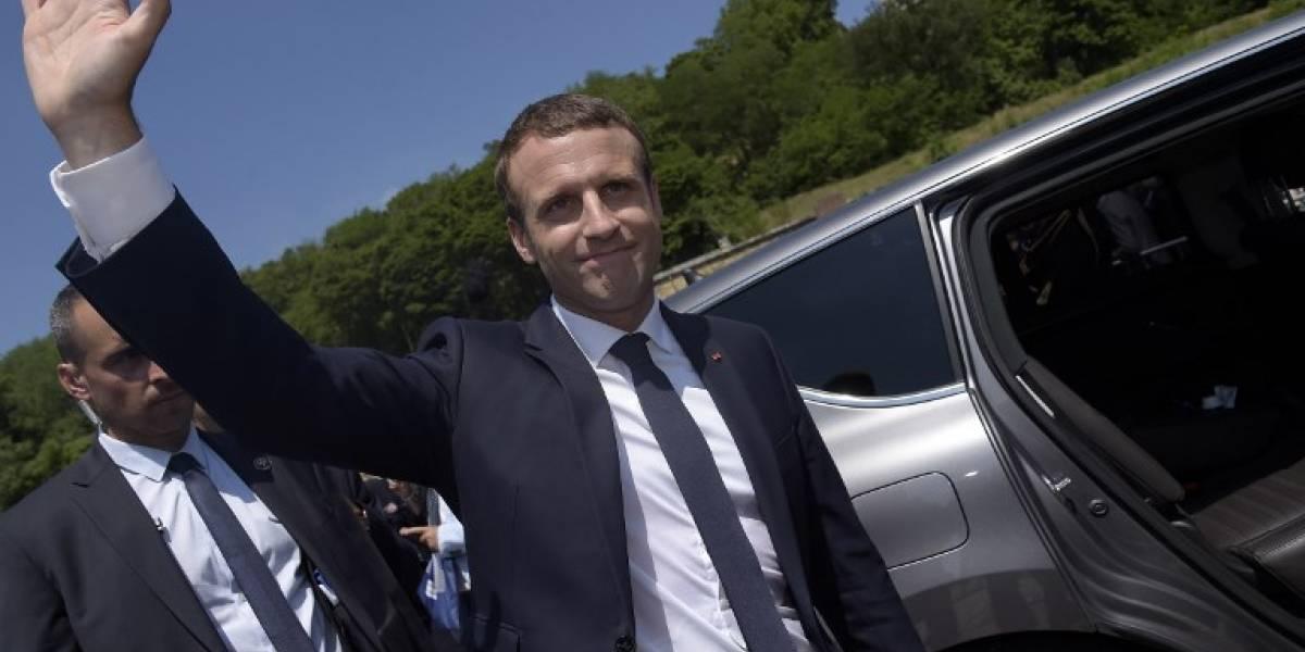 Los centristas de Macron barren a la oposición en legislativas francesas