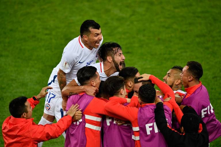 Chile y Alemania dejan en suspenso su pase a semis