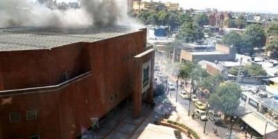 Fuertes imágenes de la explosión en centro comercial de Bogotá
