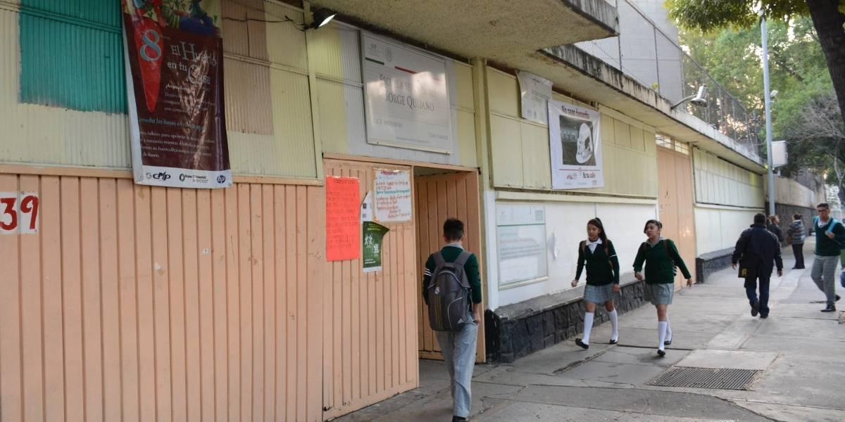 Discuten Estado y Federación por reparar escuelas