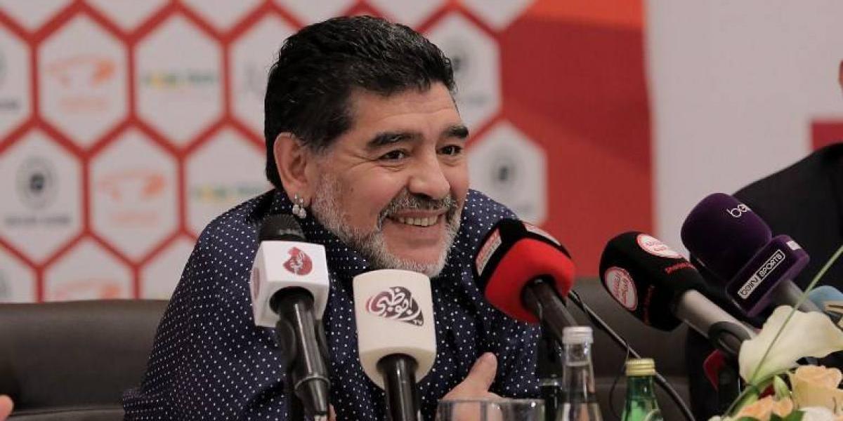 """Maradona lanzó todos sus dardos contra """"el corcho"""" Sampaoli"""