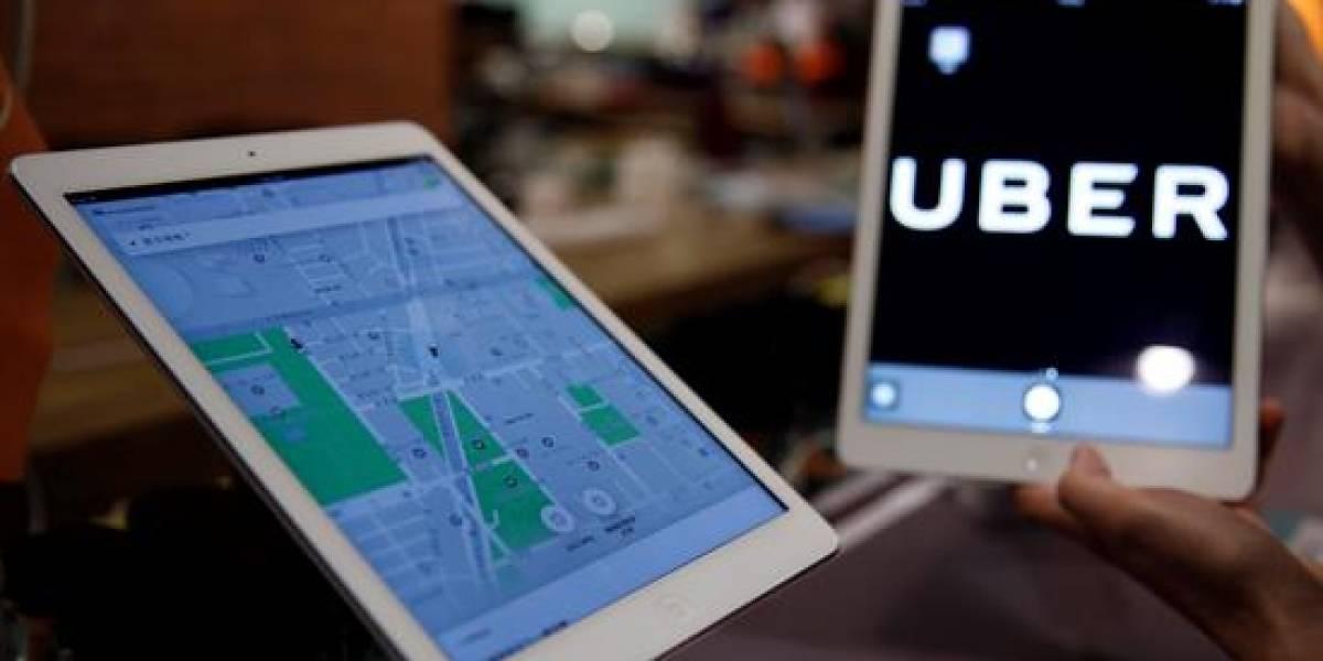 Multan a conductora de Uber por no hablar inglés