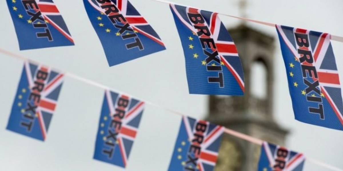 Entre atentados terroristas, incertidumbre y miedo, el Reino Unido y la UE inician histórica negociación del Brexit