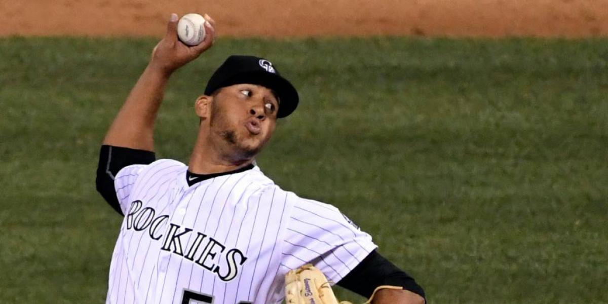 Los Rockies subieron al lanzador dominicano Carlos Estévez
