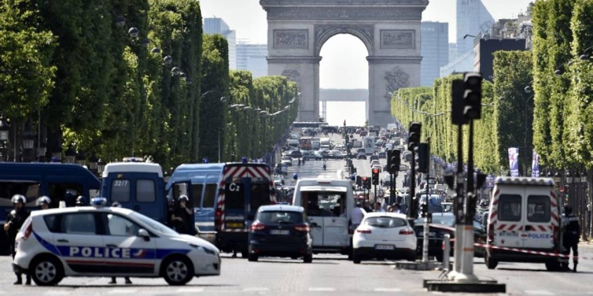 EN IMÁGENES. Intento de atentado en París provoca la muerte del atacante
