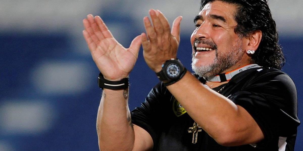 Maradona é convidado para jogar partida de futebol com Lula e Chico Buarque