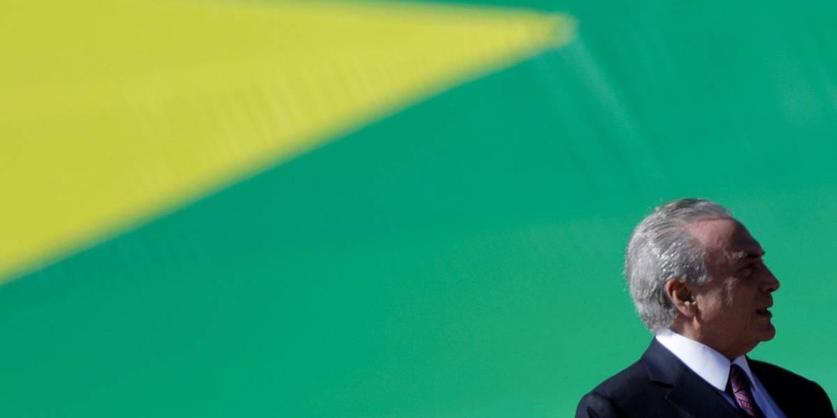 Temer quer implantar regime parlamentarista e voto distrital misto, diz colunista