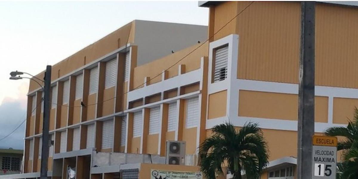 Cierra colegio católico en Caguas