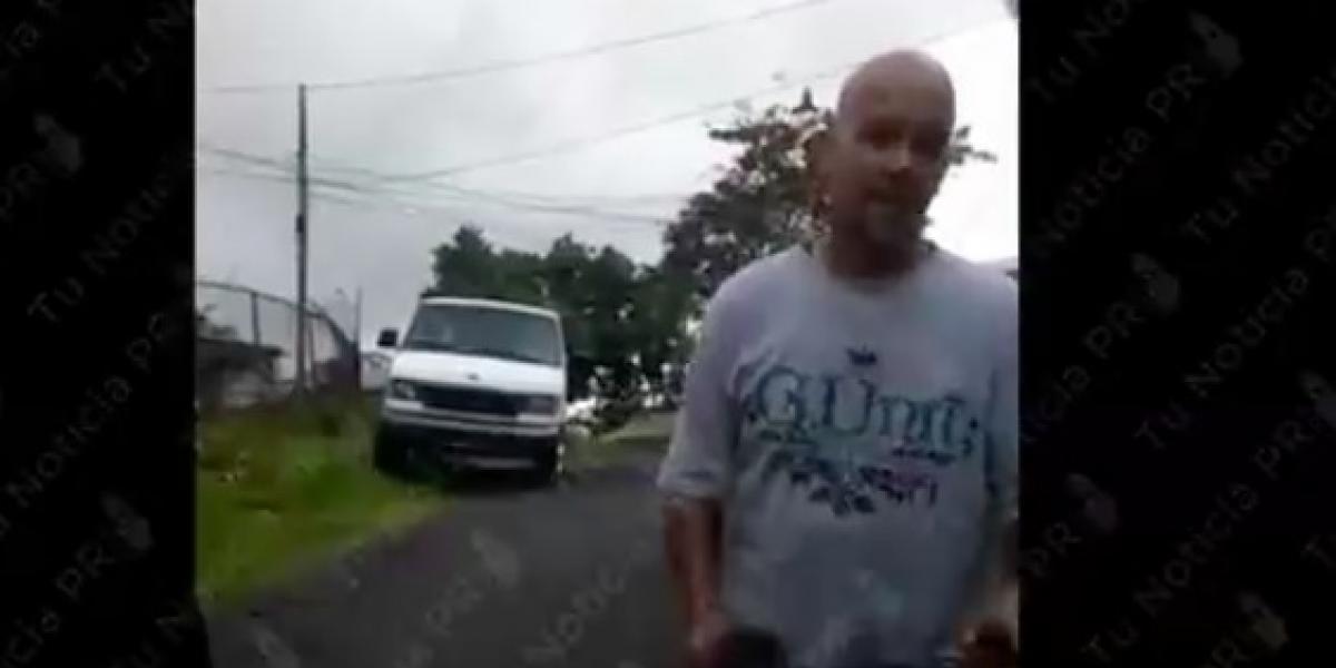 Identifican sujeto atacó con bate vehículo con dos menores