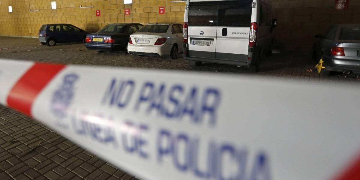 """Salvaje crimen en España: sujeto estrangula a su esposa """"para no escucharla más"""""""