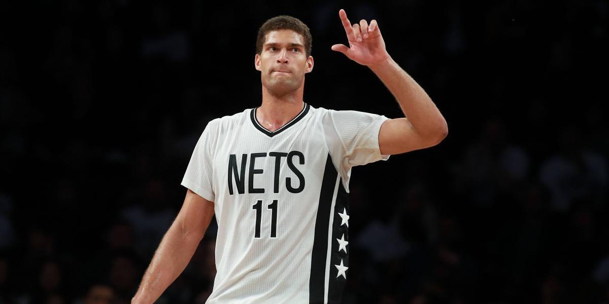 Lakers adquieren al centro Brook López