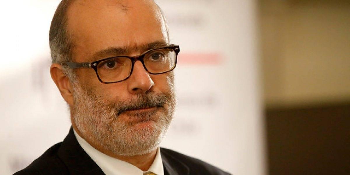 Ministro Valdés cierra las puertas a la disminución de las tasas de embarque