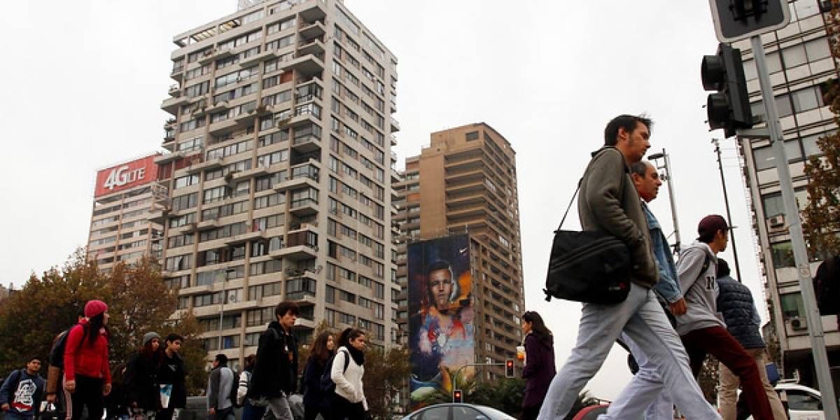 """El 18,3% de los habitantes del Gran Santiago vive en un """"entorno crítico"""""""