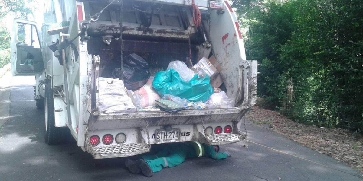 Operario de empresa de aseo fue arrollado por el camión de basura