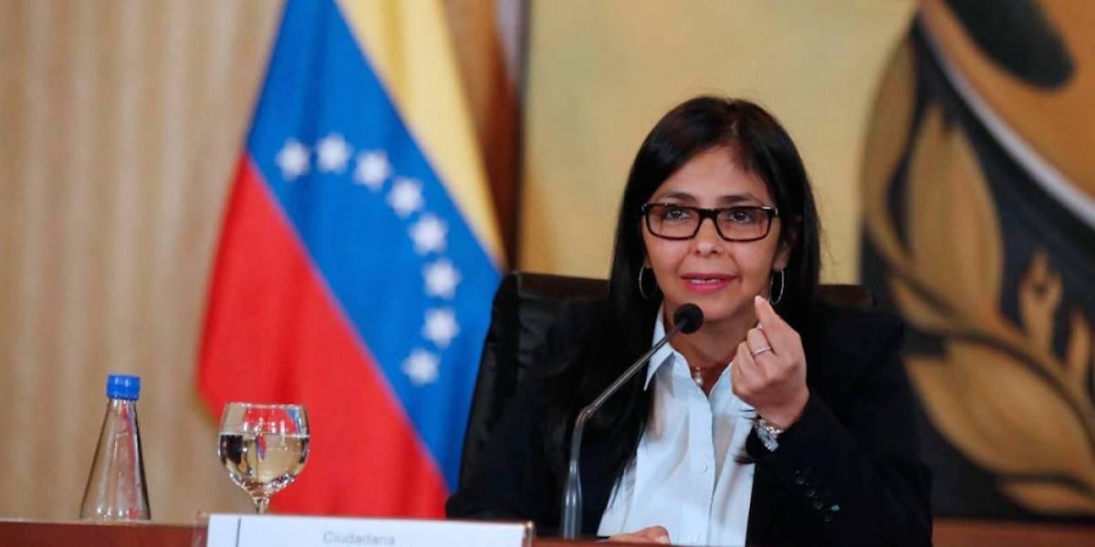 Venezuela responde a México con resoluciones sobre Ayotzinapa y muro fronterizo