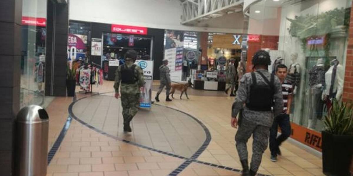 Inician operativos antiexplosivos en centros comerciales de Cali